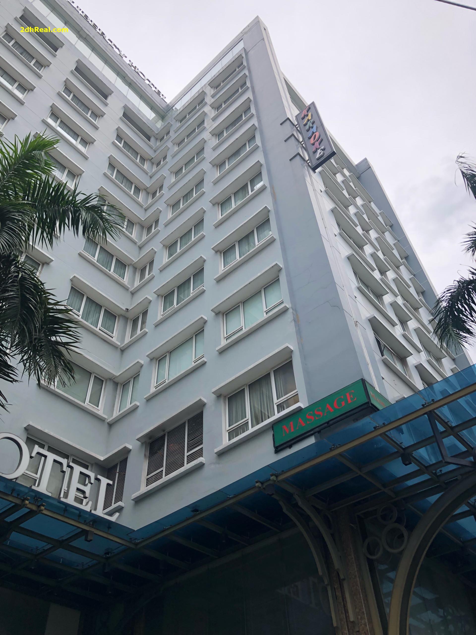 Bán khách sạn 3 sao 542 - 544 Huỳnh Tấn Phát quận 7