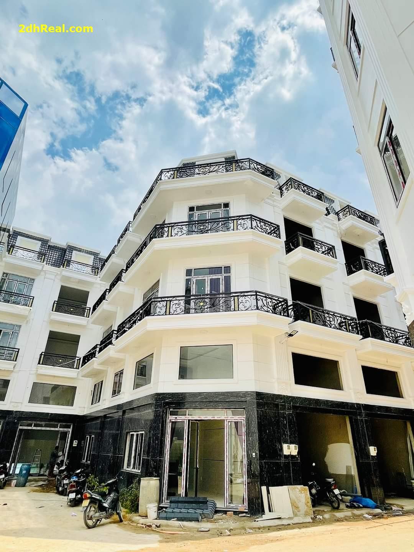 Cần bán nhà phố cao cấp 3MT đường Thạnh Xuân 38 view sông ,nội thất cao cấp.DT:50m.Giá 4tyt8