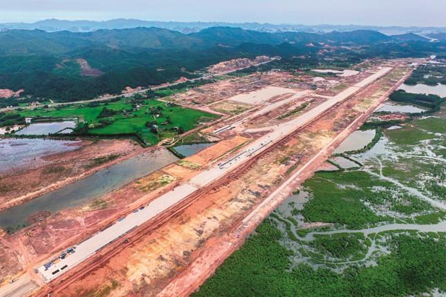 Mở cửa đầu tư cho cảng hàng không
